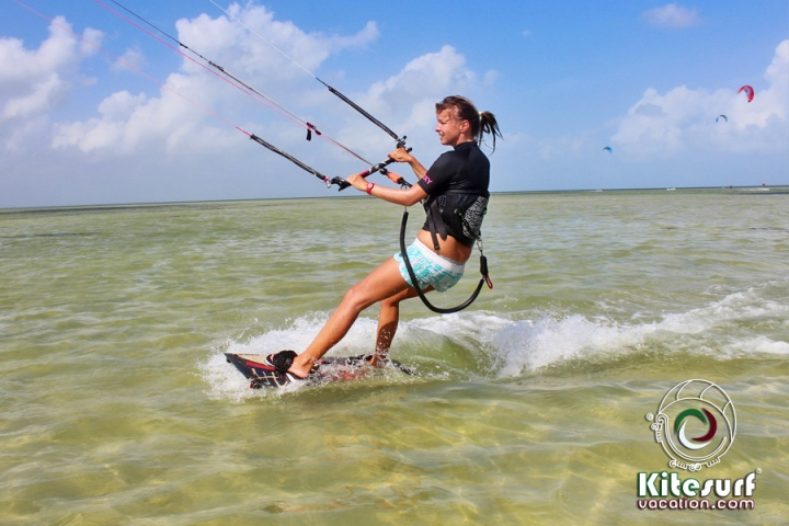kitesurfing lessons in cancun size269.3KB