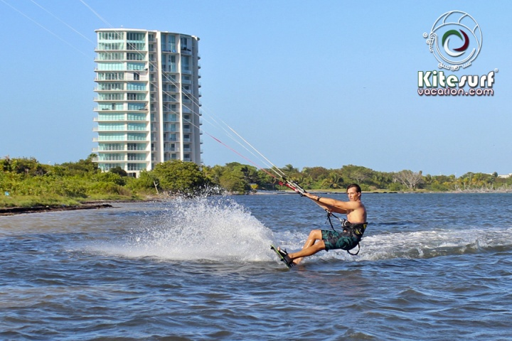 kitesurfing lessons in cancun size44.1KB